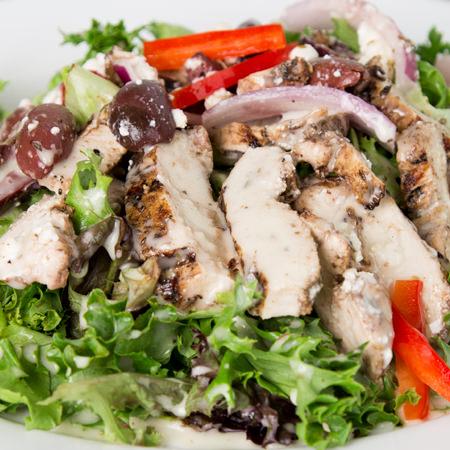 Salade de poulet à la méditerranéenne